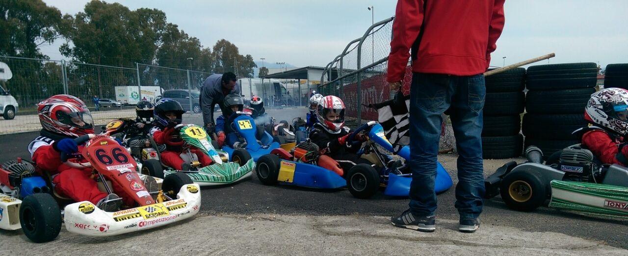 Circuito Internazionale Il Sagittario : Max biaggi incidente sul circuito il sagittario a latina